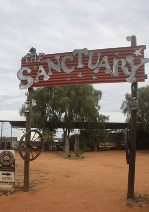 Central Australia and Indigenous Community Stay